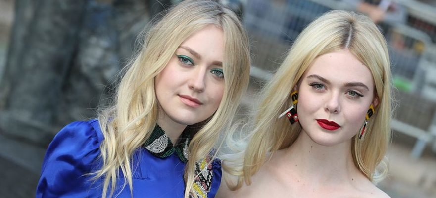 Dakota Fanning, Elle's sister, helped her before the security escorted them to the medic's team.