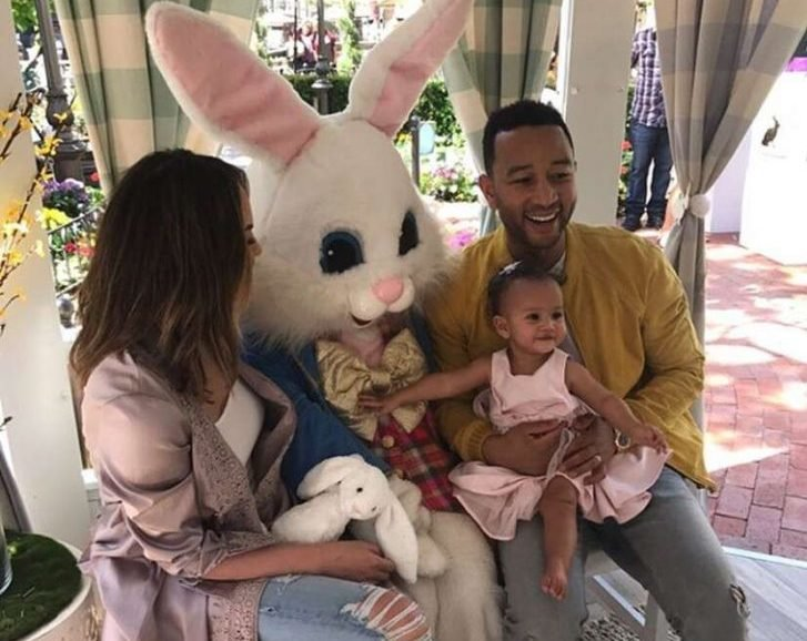 Chrissy Teigen showed off her cooking prowess as she prepared delicious foods for her family to eat for Easter dinner.