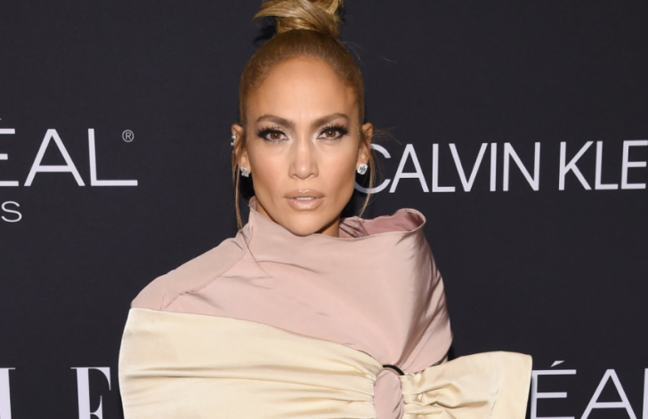 J.Lo looking young and flawless as she graced the red carpet last 2014.